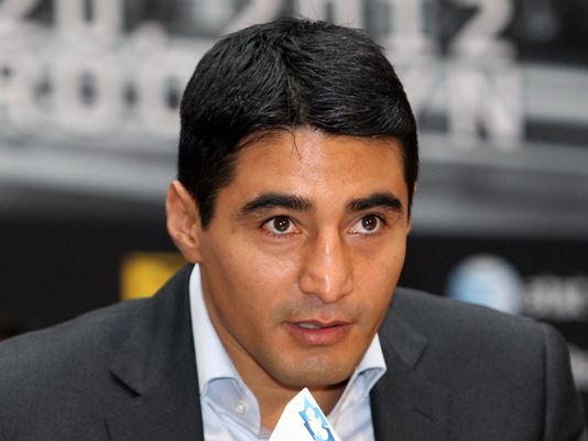 Erik Morales Tells Floyd Sr. Sorry Not Sorry for Picking Pacquiao | Tha Boxing Voice - 2012-10-18-erik-morales-4_3