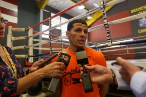 1 abril 2015 Rocky Martinez and McWilliams Arroyo train for April 11