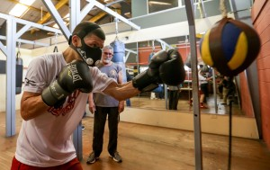 1 abril 2015 Rocky Martinez and McWilliams Arroyo train for April 11  (11)-1
