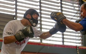 1 abril 2015 Rocky Martinez and McWilliams Arroyo train for April 11  (17)