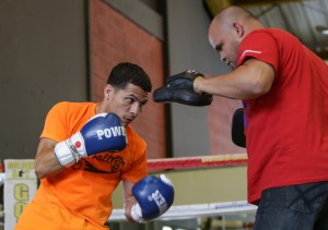 1 abril 2015 Rocky Martinez and McWilliams Arroyo train for April 11  (5)-1