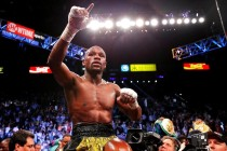 Mayweather in negotiations for three-fight extension